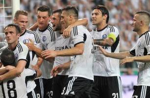 Legia Warsaw dent Celtic's Champions League hopes with massive first leg win